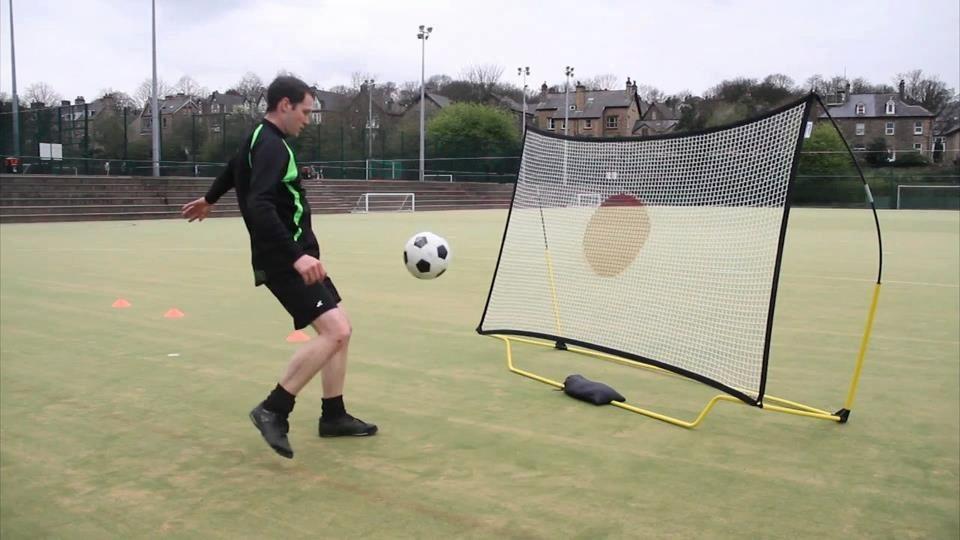 Fotbollsredskap som ger en säker fotbollsträning